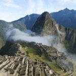 【ビデオ】アメリカの田舎町「ペルー」にペルー人の一団がやってきて。。
